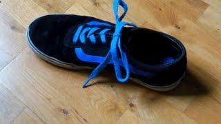 How To Tie Your Shoe Laces In 2 Seconds. (Ian Knot)
