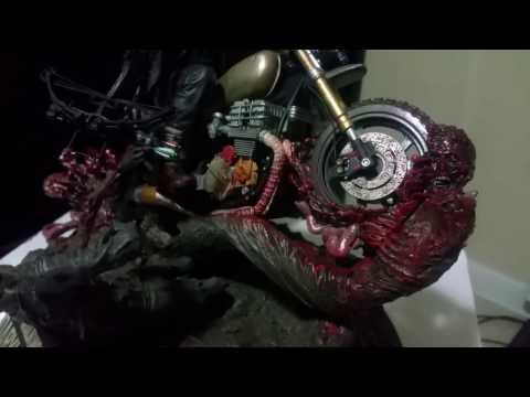 Mcfarlane Daryl Dixon Walking Dead Statue unboxing