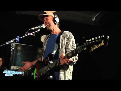 """Here We Go Magic - """"Over The Ocean"""" (Live at WFUV)"""