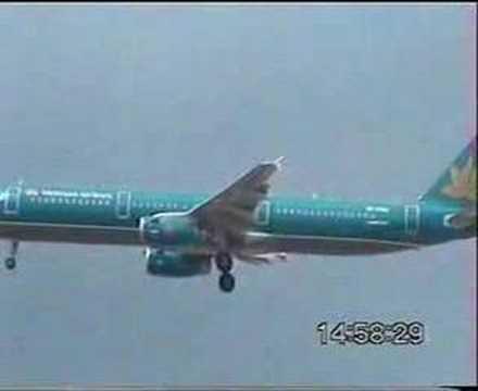 Vietnam Airlines Airbus A321 Landing at runway 32R KUL/WMKK