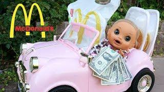 BABY ALIVE Pumpkin Drives To McDonalds To get Breakfast!