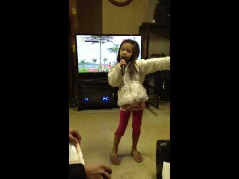 Jessica can sing ba thuong con