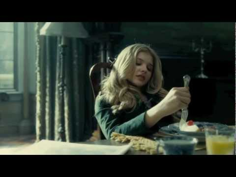'People Don´t Throw Balls Anymore' Film  From 'Dark Shadows' HD