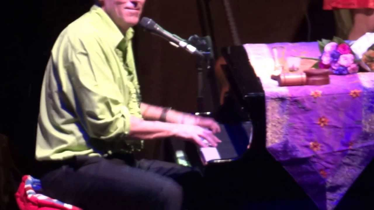 hugh-laurie-go-to-the-mardi-gras-live-in-warsaw-professor-longhair-cover-mrscientist90