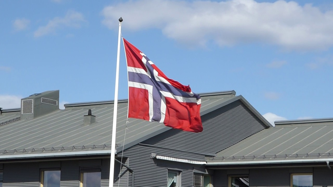 flag of norway on liberation day at sørum nursing home youtube