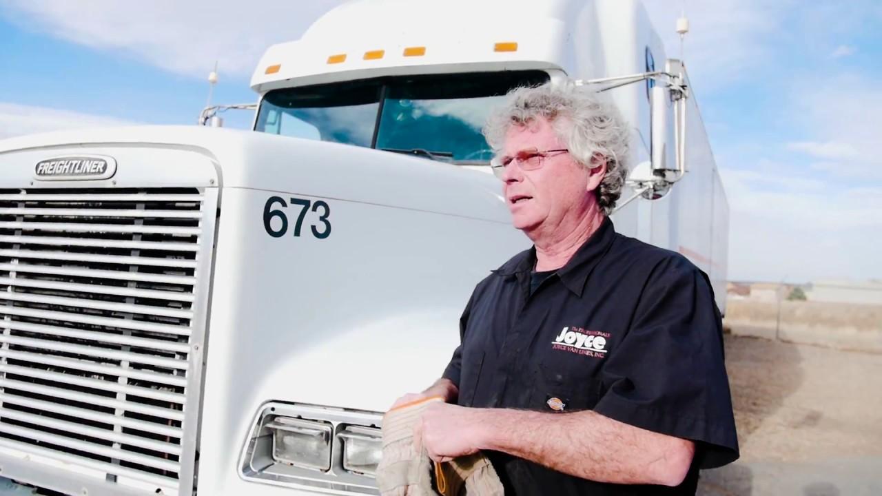 The Long Haul: A Trucker's Tales of Life on the Road - Finn Murphy