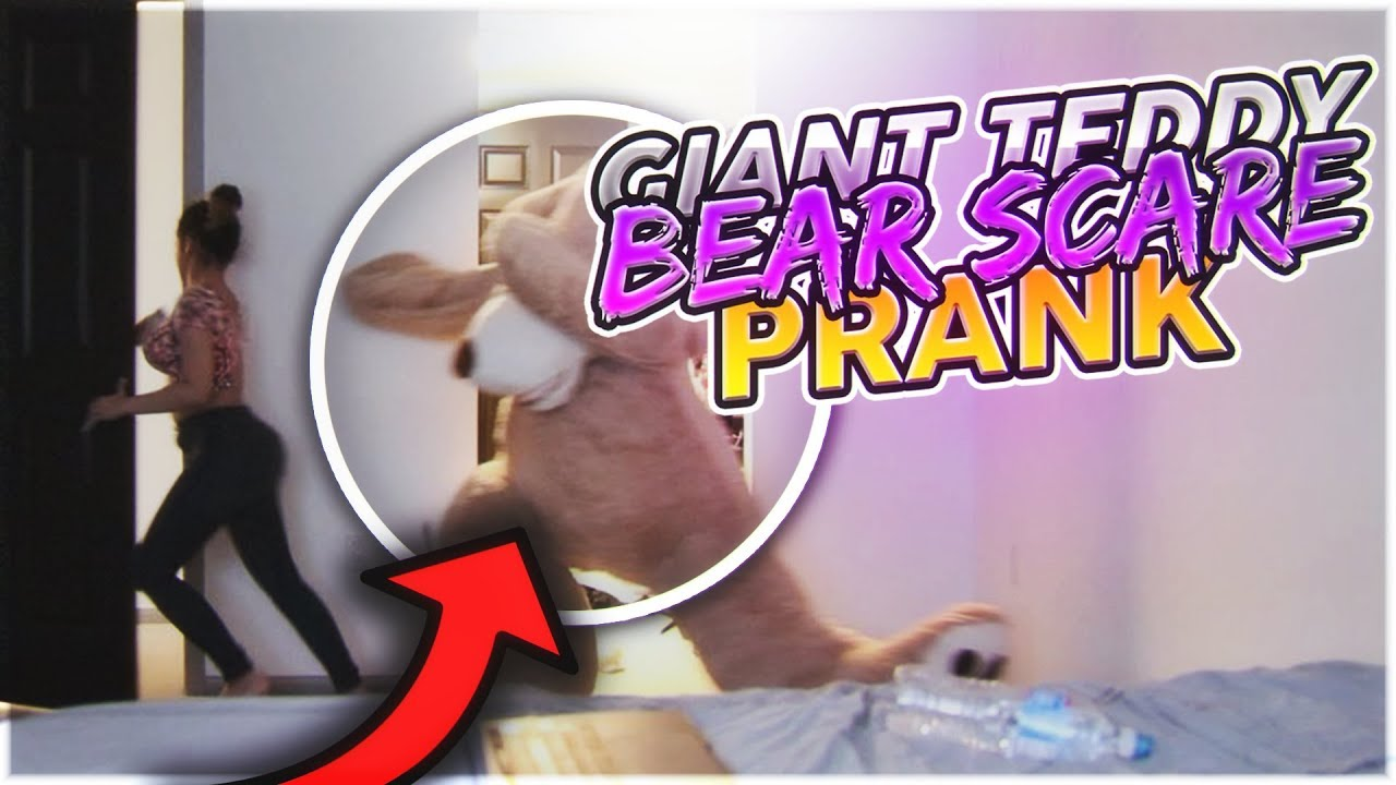 GIANT TEDDY BEAR SCARE PRANK ON GIRLFRIEND