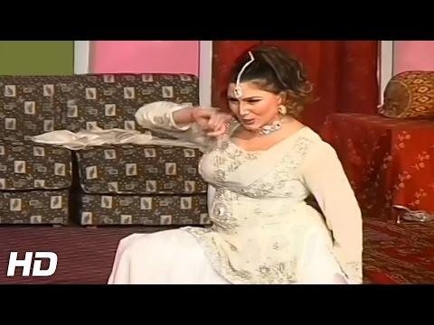 NASHA REVEGA SAARI RAAT - 2017 PAKISTANI MUJRA DANCE