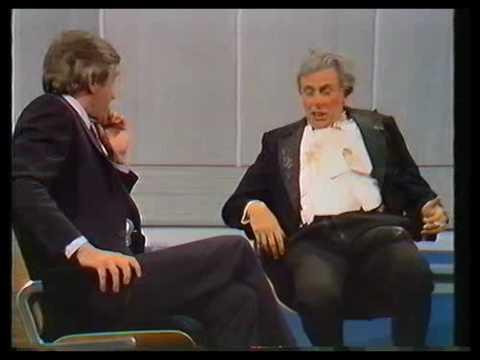 Sir Les Patterson Barry Humphries 1982. Pt. 1.