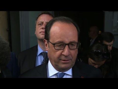 Francois Hollande votes in French presidential election