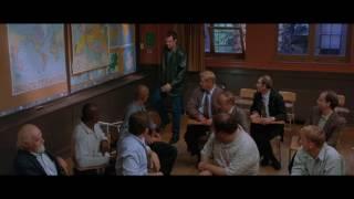 Стивен Сигал в фильме Сквозные ранения.