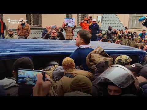 Saakashvili Escapes Custody After Standoff With Police