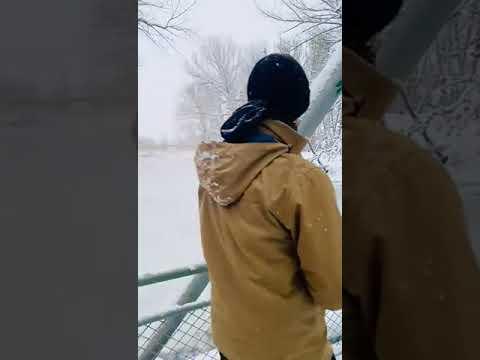 El estadounidense que se baña en el Duero helado en Soria