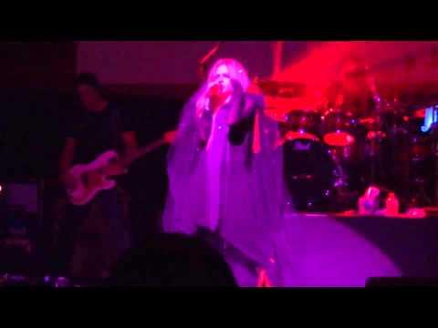 Avril Lavigne Bad Girl - Pacifico Yokohama 2014.2.3