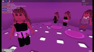 Roblox Ariana Grande Honeymoon Tour game preformance