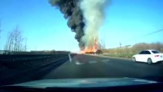 {FOXNews}Truck bursts into fire after turning over in north China-Truck