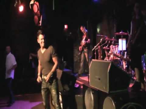 Better Now by Derailed - Cover band