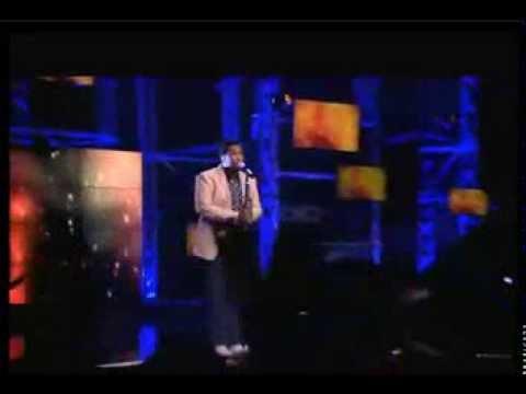 Musa Sukwene singing Ringo, Ngyagodola Idols South Africa