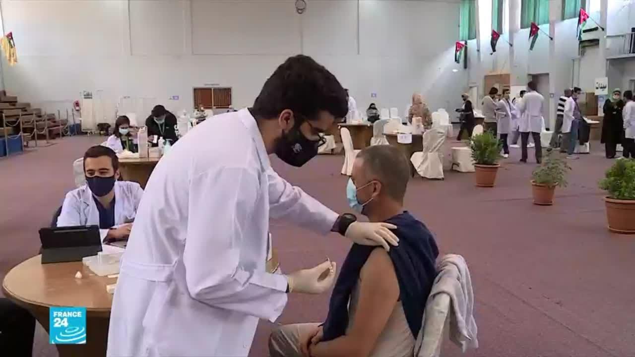 الأردن: تدريب طلاب كليات الطب والتمريض والصيدلة لتسريع حملات التطعيم ضد فيروس كورونا  - 18:00-2021 / 4 / 15