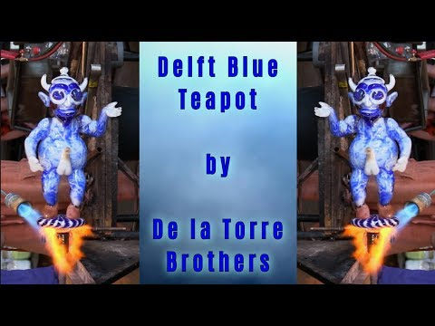 Delft Blue Teapot by de la Torre Brothers - Glasblazerij Lee