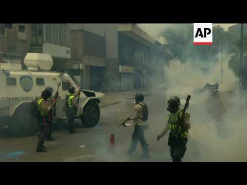 Venezuela protests linger with no sign of stopping