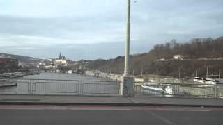 バス(Airport Express)から見たプラハ