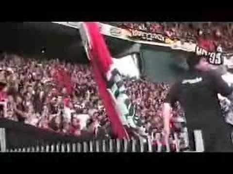 Ultras Frankfurt - Jumping Fans - Eintracht Frankfurt