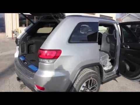 Jeep Grand Cherokee Cargo Space >> 2018 Jeep Grand Cherokee Trailhawk 4x4 Cargo Area Volume Review