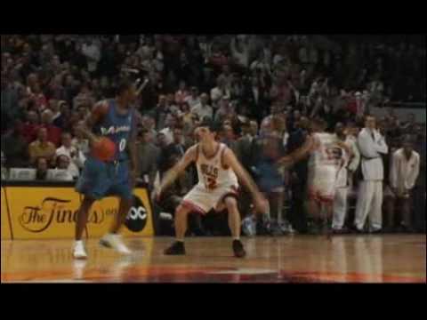 NBA Moment  2005 Aenas buzzer beater vs Chicago