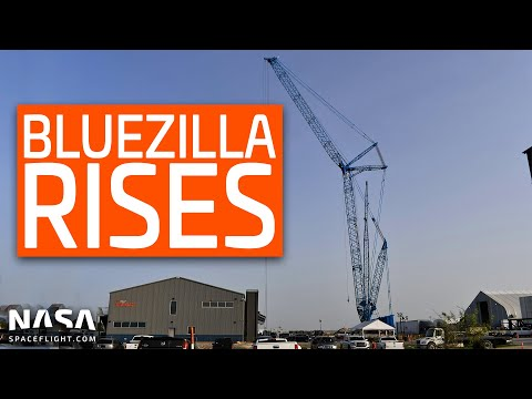 SpaceX Boca Chica - Bluezilla Rises! Super Heavy High Bay Builder