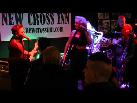 VIVA le PINK@The New Cross Inn