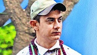 Aamir Khan is Alien; Goes Nude! | Hindi Latest News | Shooting Spot | P K, Rajkumar Hirani,