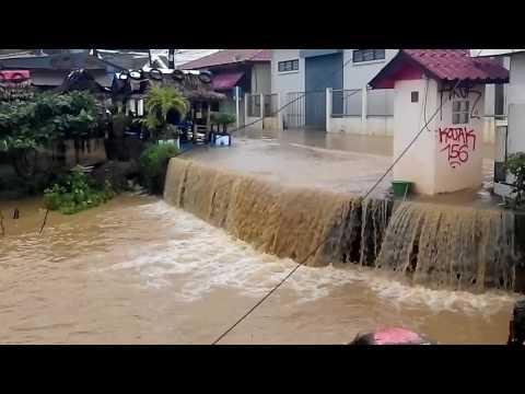 Koh Samui  floods.  Lamai beachlamai