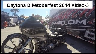 Biketoberfest in Daytona Beach, Florida EUA - 3/4