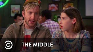 sue s boyfriend meets mum   the middle