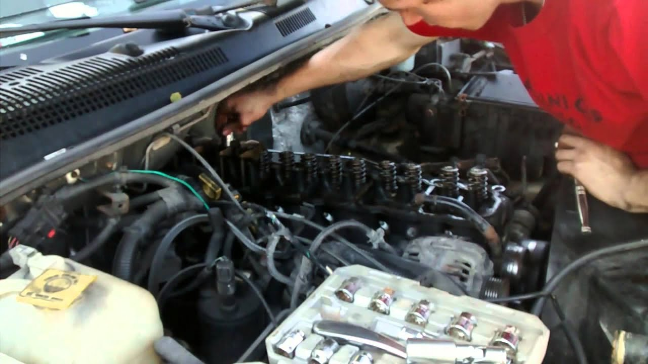 Charming Jeep 4.0L Straight 6 Cylinder Head Removal   YouTube