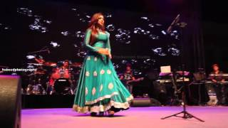 Shreya Ghoshal singing