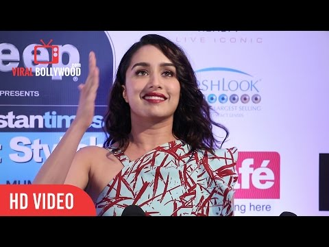 Shraddha Kapoor Cute Interaction With Media | HT Most Stylish Awards 2017