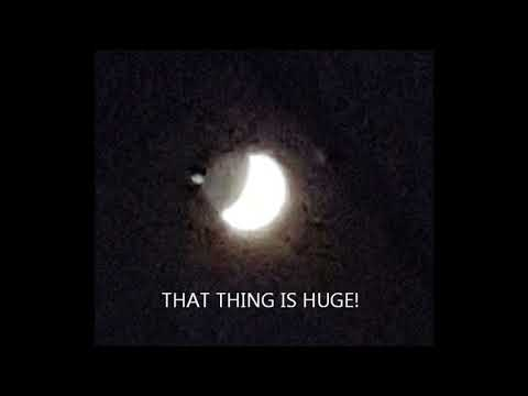 UFO LANDING ON THE MOON.    AMAZING PHOTOS FROM WEST VIRGINIA.   TRUTH!!   MUST SEE!!!!