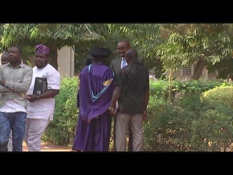 Togo, Le bilinguisme et l'intégration sous-régionale