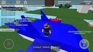 Playing pokemon world roblox (mew)