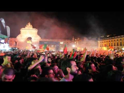 EURO 2016 final: Portugal vs France|Lisbon fan zone: reaction after Éder's goal