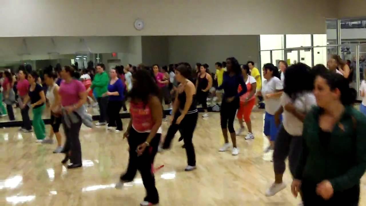 La Fitness Latin Impact 23