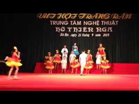 Nguyen Duy Linh hat dem ram trung thu