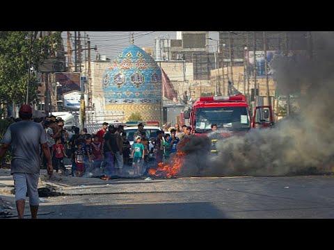 شاهد: مئات العراقيين يتظاهرون أمام محطات إنتاج الطاقة احتجاجا على انقطاعات الكهرباء…  - 20:54-2021 / 7 / 9