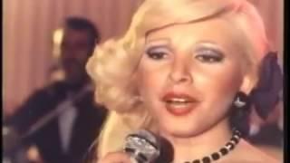 Esengül - Taht Kurmuşsun Kalbime (Resmi Video - Türkçe Altyazılı)