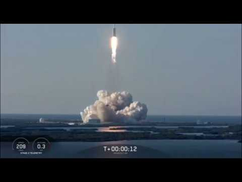 Blastoff! SpaceX Falcon Heavy Launches Arabsat-6A Mission