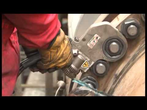 Hydratight Onsite Torque Wrench At Refinery
