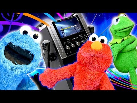 Elmo and Kermit The Frog Do Karaoke with Strangers!