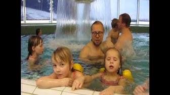 Hiihtolomariemua uimahallissa